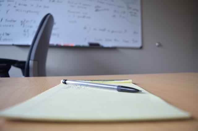 umowa o pracę na okres próbny wzór